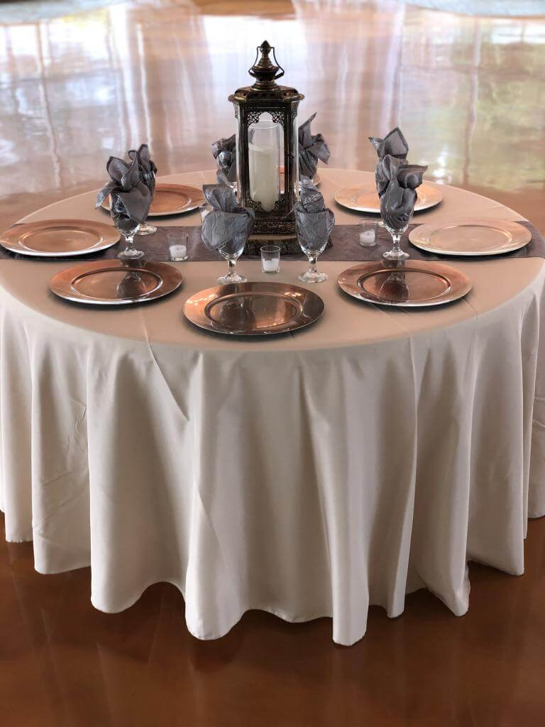 Ivory (polyester) linens